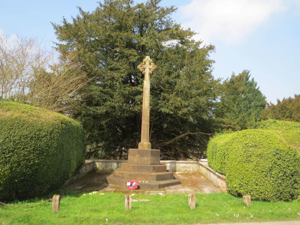 War_Memorial,_Avington_3405